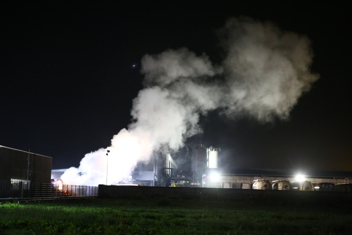 Brand bij handels- en transportbedrijf Reijners aan de Industrieweg 19 in Boxtel.