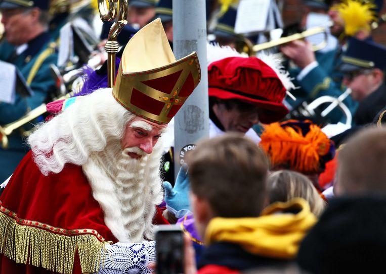 Veel Politie Op De Been Bij Rustig Verlopen Sinterklaas Intocht Apeldoorn Trouw