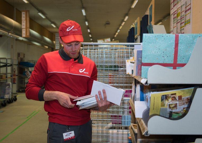 bpost is voortdurend op zoek naar postbodes, die net als Keanu houden van een uitdagende job met het nodige sociaal contact.