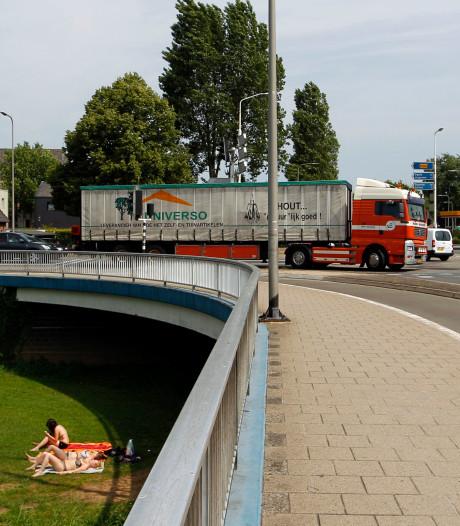 ChristenUnie wil onderzoek naar verkeersdrukte op Vechtbrug Ommen