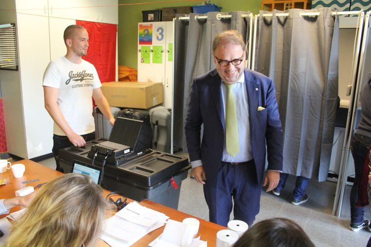 Christoph D'Haese in het stembureau zondag.