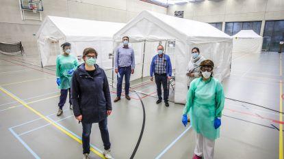 Meteen acht mogelijk besmette patiënten melden zich aan bij triagepunt in Daverlo