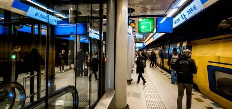 Veel minder treinen tussen Amsterdam en Schiphol door defect spoor