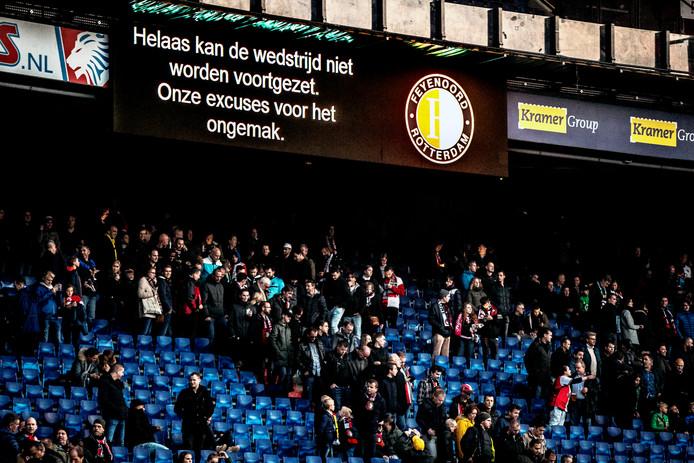 De supporters keerden gisteren al snel huiswaarts. Het is nog onduidelijk wanneer Feyenoord-VVV wordt ingehaald.