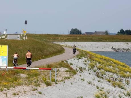 Vervuilde zeedijk Perkpolder opnieuw onder vuur