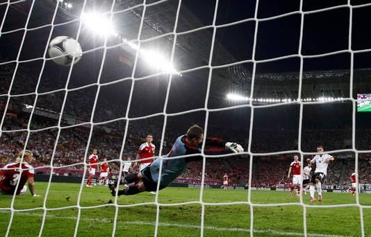 Stephan Andersen in actie tegen Duitsland.