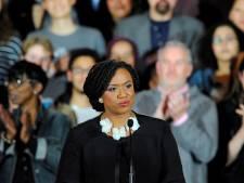 Amerikaans congreslid onthult nieuwe look in video en vertelt over haar aandoening