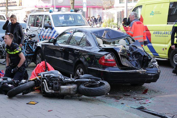De auto en de motor raakten behoorlijk beschadigd.