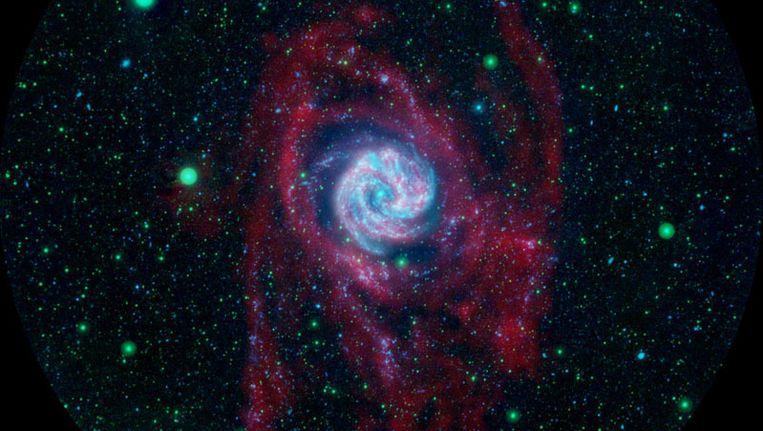 In 2008 nam de Galex dit beeld van het Zuidelijke Windmolenstelsel waar. Het is een sterrenstelsel dat deels een spiraal-, deels een balkspiraalstelsel is. Messier 83 is een klein broertje van het Melkwegstelsel. Beeld NASA
