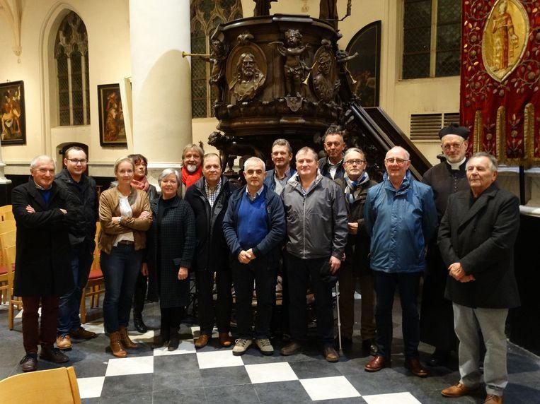 De organisatoren van de culinaire winterwandeling in de Kathedraal van het Noorden, de kerk van Watervliet.