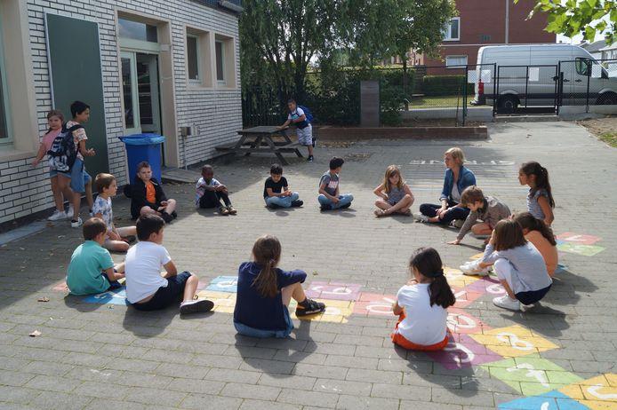 In augustus werd er nog volop gespeeld op de speelplaats tijdens de zomerschool in De Springplank.