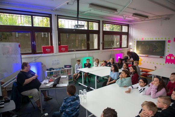 Leerlingen van Hofke van Thys komen kennismaken met het FabLab