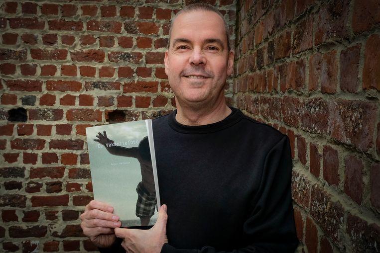 Peter Verbeeck maakt met 'De Vakantiefoto' zijn debuut als auteur.