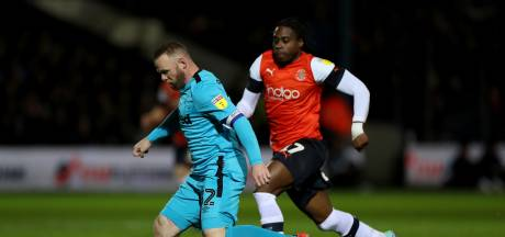 Derby County ondanks goal Rooney onderuit bij hekkensluiter Luton Town