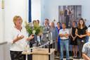 Foto van de opening van de tentoonstelling Dossier Oss in het Marechausseemuseum door burgemeester Buijs.