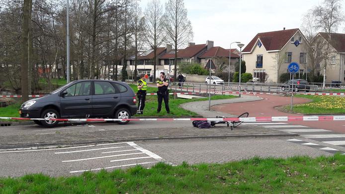 een fietsster is ernstig gewond geraakt bij een ongeluk in Harderwijk