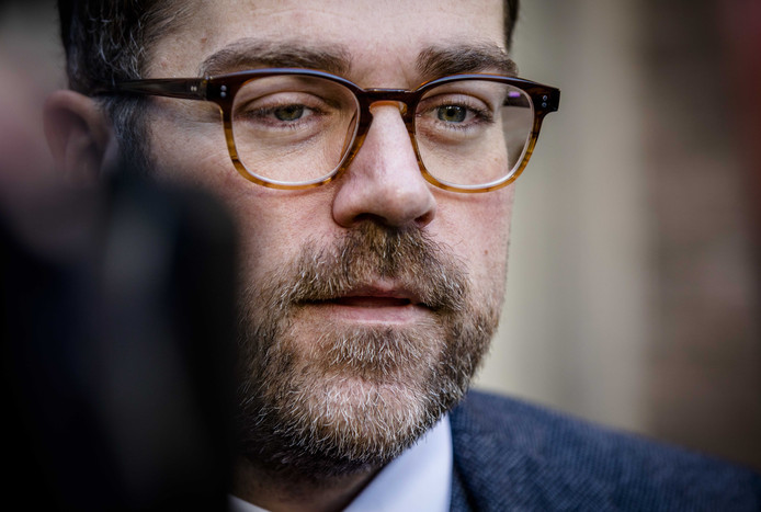 De afgelopen jaren zijn er enkele tientallen meldingen gedaan van seksueel misbruik tussen medewerkers van Defensie,  schrijft minister Klaas Dijkhoff (Defensie).