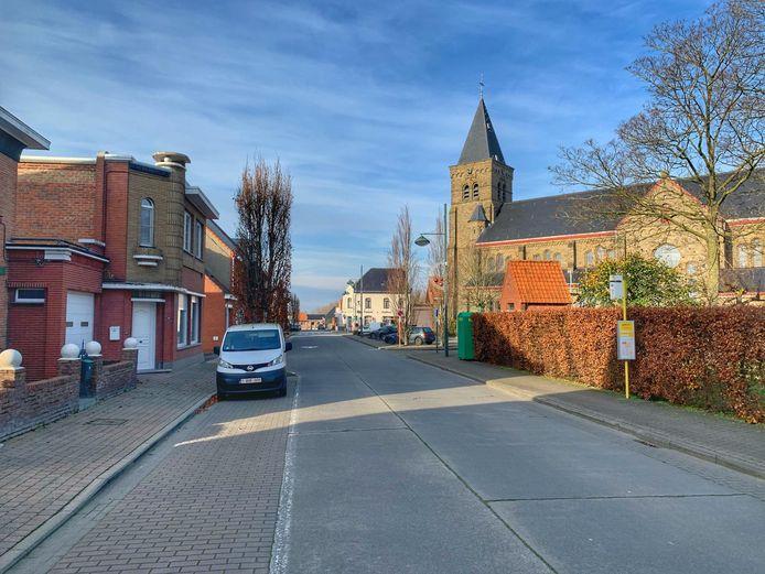 De dorpskom van Wijnendale.