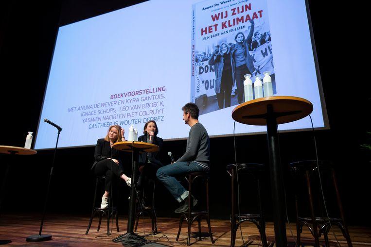 Kyra Gantois, Anuna De Wever en Wouter Deprez bij de boekpresentatie in de Roma.