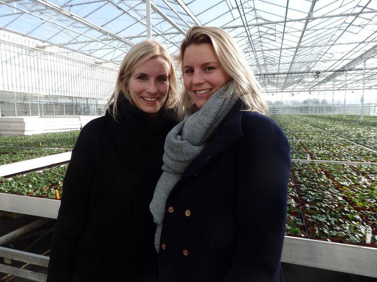 Bij de potplantjes: Elise Goulooze (l) en Marieke de Vries, beiden van Pelican Media Beeld Schuim
