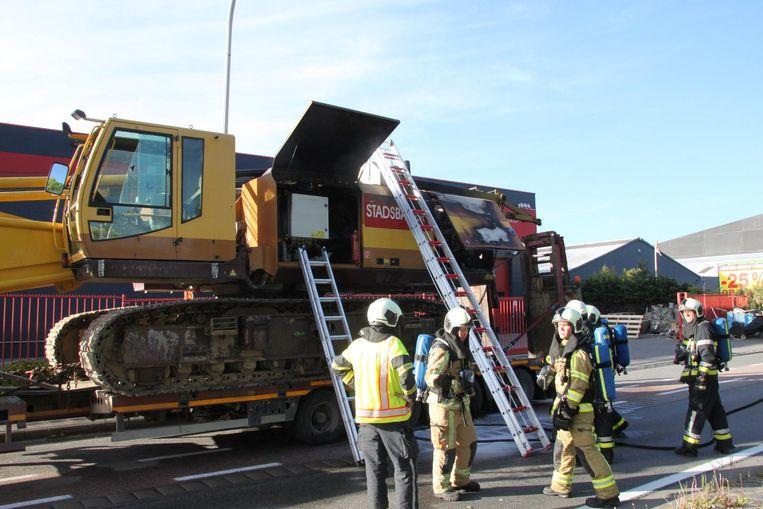 De brand is wellicht te wijten aan een technisch defect aan het motorcompartiment.