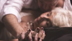 """Gebrek aan seks en intimiteit reden voor echtscheiding: """"Als je als koppel naast elkaar leeft, zal er ook in bed niets gebeuren"""""""