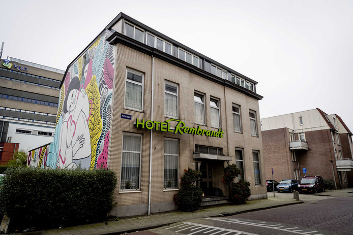 Het voormalig hotel Rembrandt in Arnhem.