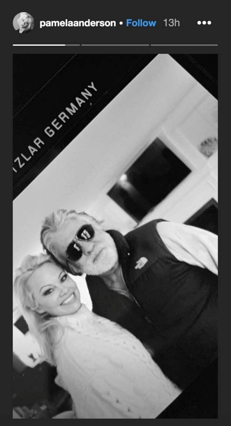 Pamela Anderson en kersverse echtgenoot Jon Peters.