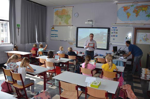 Dietrich Heiser van i-LUDUS introduceert kinderen in de wondere wereld van het programmeren.