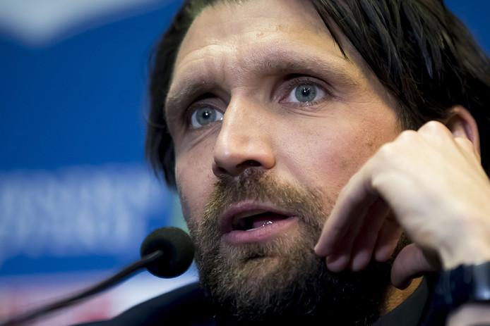 NEC-coach Peter Hyballa.