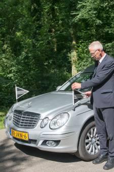 Rouwautochauffeur Willem (65) stierf 'in het harnas' toen hij een overleden coronapatiënt ophaalde