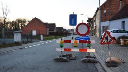 Werken aan kruispunt Nieuwstraat-Dwarsstraat zorgen voor verkeershinder