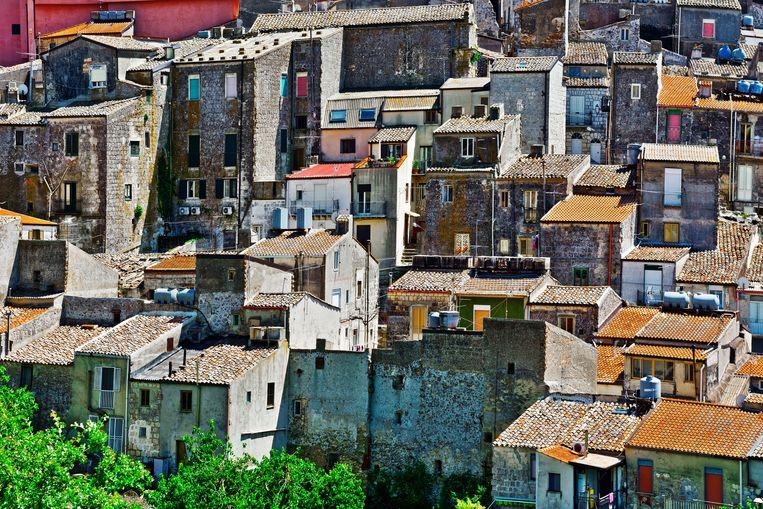 Zicht op het historische centrum van Mussomeli: Siciliaans dorp op 700 meter hoogte.