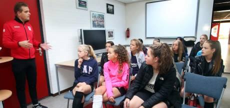 'Jonge meisjes weten steeds makkelijker weg naar voetbalclub te vinden'