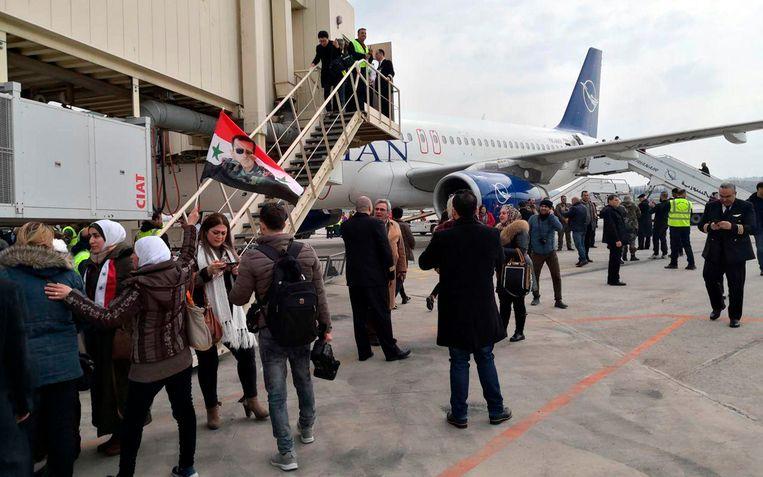 In het passagiersvliegtuig reisden een reeks Syrische ministers en journalisten mee.