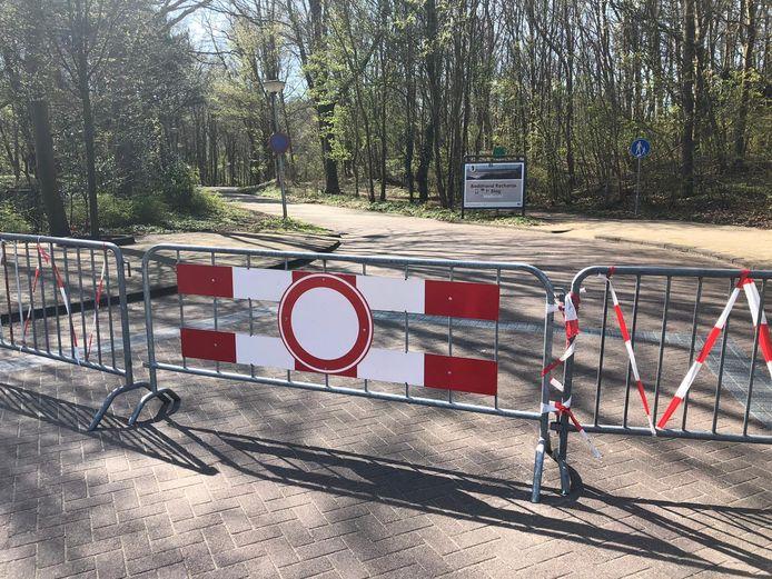 Ook de weg naar de Tweede Slag is afgesloten geweest. Zaterdag gaat de parkeerplaats weer open.