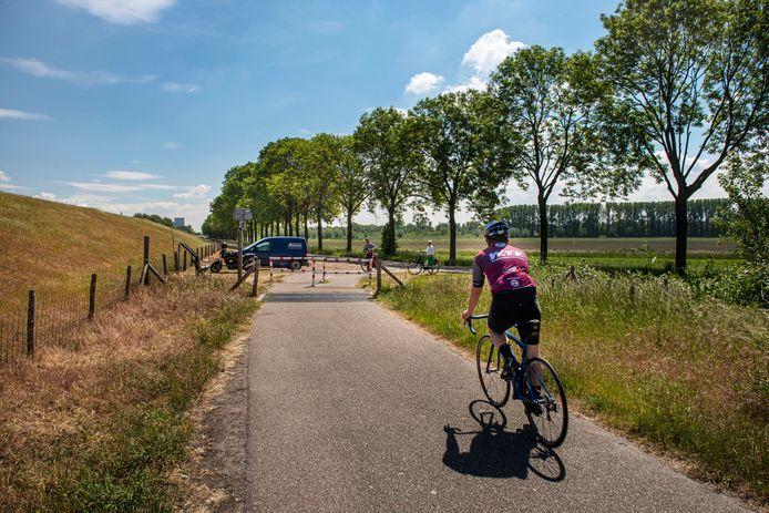 Het Beverpad loopt langs de Amer en wordt binnenkort verlengd tot aan Drimmelen-dorp.
