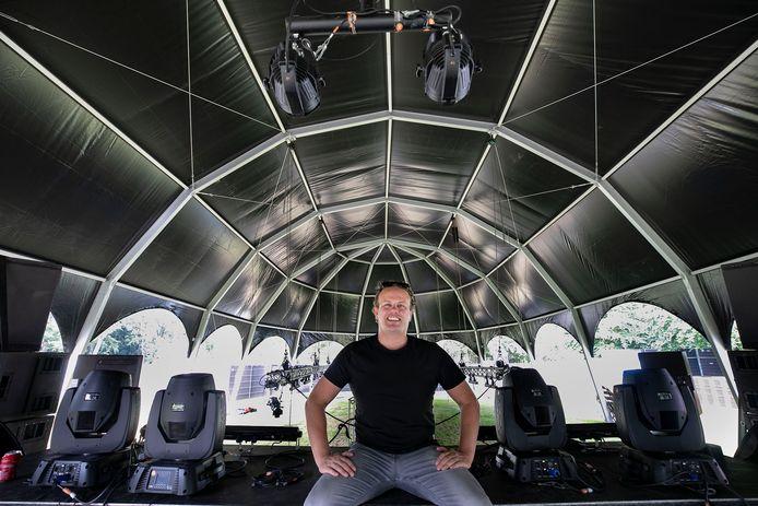 Een van de organisatoren Joris Jansen van Hidden Garden festival in Eindhoven.