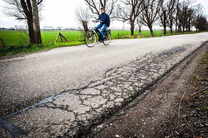 Scheuren in de Oudendijk in Strijen.