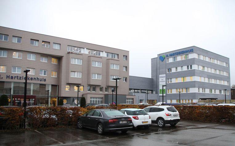 Het grijze gebouw rechts is nieuw.