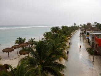 Orkaan Ernesto raast over Mexicaanse Caraïbische kust