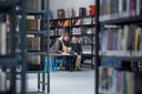 De bibliotheek in Westervoort werd vorig jaar ingrijpend verbouwd. Archieffoto: Bart Harmsen