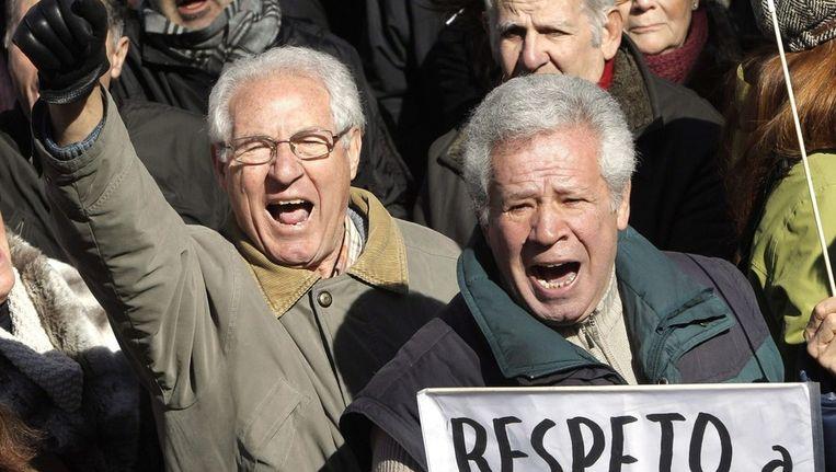 Spanjaarden gingen afgelopen weekend de straat op om te demonstreren tegen het vonnis tegen Garzón. Beeld epa
