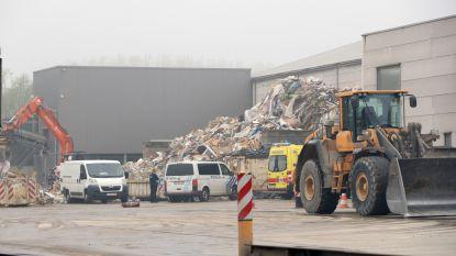 Twee arbeiders lichtgewond bij ontploffing in opslagloods voor afval