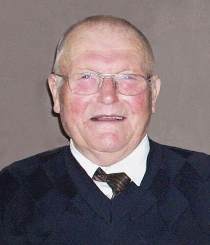 Roger Den Baes (85) uit Schuiferskapelle raakte uiteindelijk ook besmet met het coronavirus.