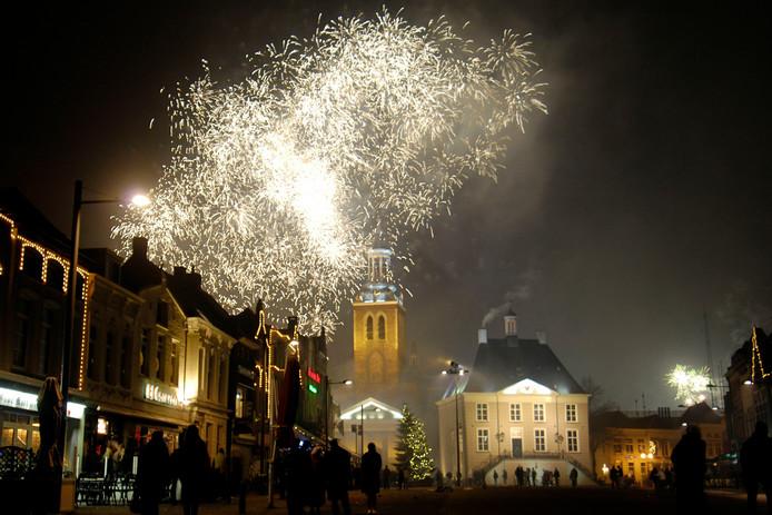 Vuurwerk boven de Markt in Roosendaal.