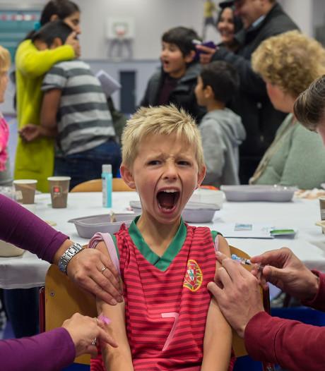 Vaccinatiedebat steeds feller: 'stop met reageren vanuit de onderbuik'