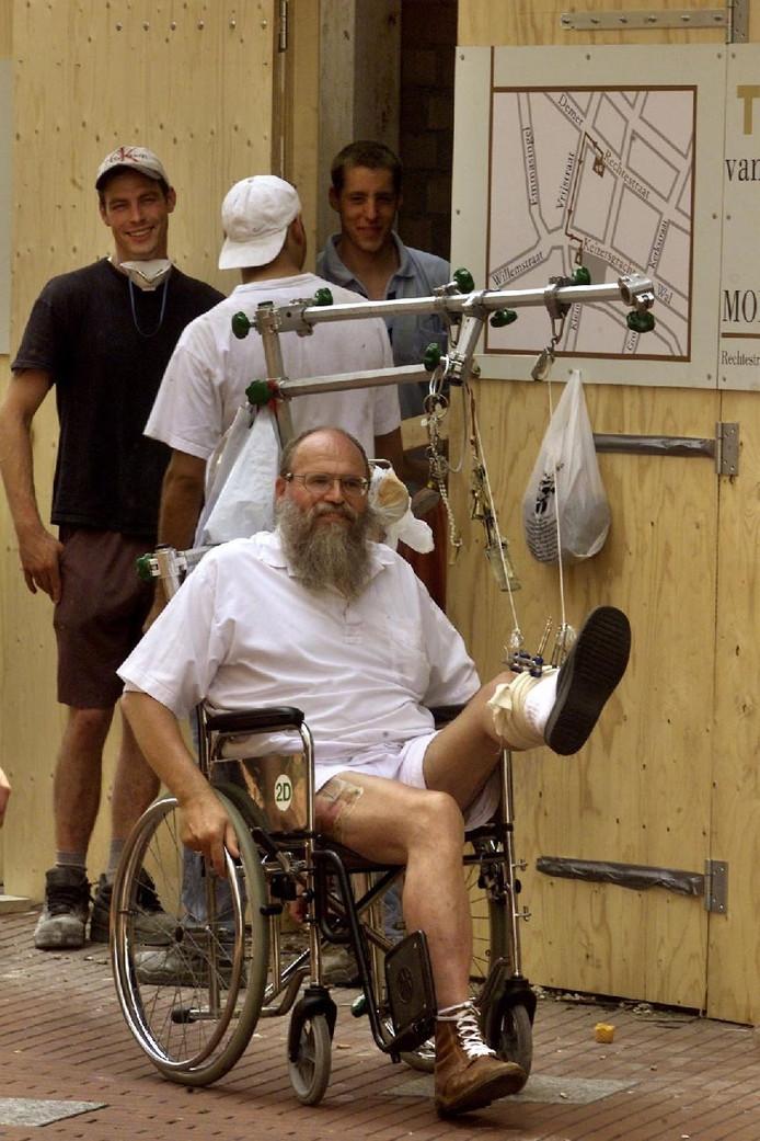 In 2003 werd Nol Kox geopereerd na zijn ongeval met de brommobiel.