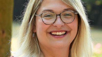 Burgemeester van Waregem strikt Kortrijkzane Sien Vandevelde als parlementair medewerker