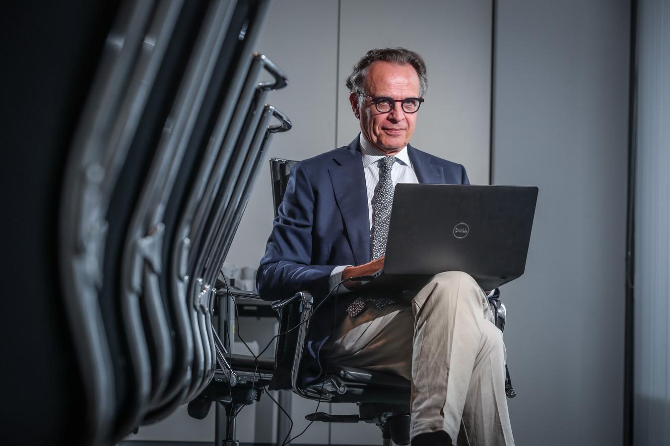 Xavier De Cuyper, topman van geneesmiddelenagentschap FAGG.